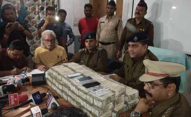 छत्तीसगढ़ : क्रिकेट मैच पर सट्टा खिला रहे दो लोग गिरफ्तार, दो करोड़ रुपये बरामद