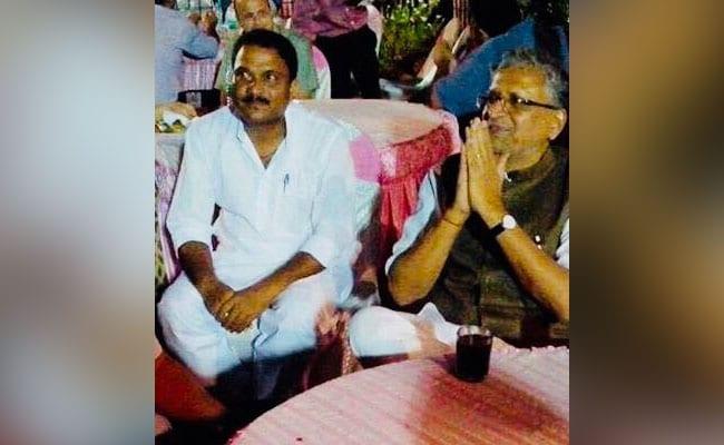 बिहार बीजेपी ने पहले मनोज बैठा से संबंध नकारे, अब पार्टी से निलंबित कर दिया!