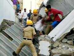 बेंगलुरु: देखते ही देखते भरभरा कर गिर गई 5 मंजिला इमारत, 3 की मौत, कई घायल