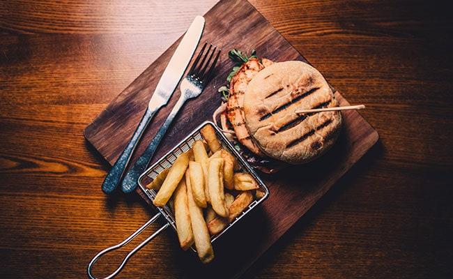 Keto Diet: Love Burgers But Scared Of Excessive Carbs? Make This Keto-Friendly Burger Bun