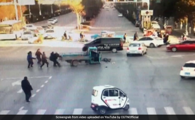 On Camera, E-Rickshaw Spins Out Of Control. How It Was Stopped