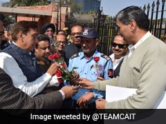 """My Valentine, My Shop"": Delhi Traders Give Roses Amid Sealing Drive"