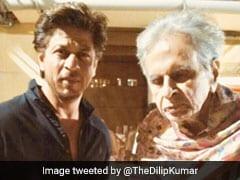 95 वर्षीय दिलीप कुमार की खैरियत लेने पहुंचे उनके 'बेटे', सामने आई तस्वीर