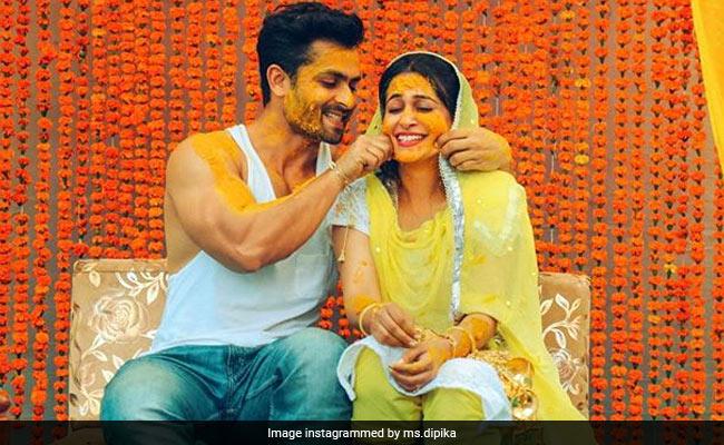 'ससुराल सिमर का' फेम दीपिका और शोएब की शादी की रस्में शुरू, देखें हल्दी सेरेमनी की Inside Photos