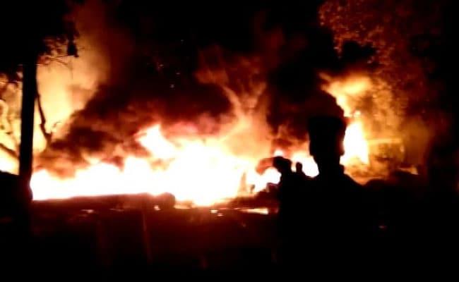 अंतरराष्ट्रीय पर्यटक स्थल राजगीर में कुंड परिसर स्थित करीब दुकानों में लगी आग