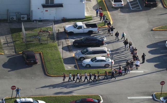 अमेरिका: फ्लोरिडा में गोलीबारी के बीच भारतीय मूल की इस टीचर ने बचाई कई बच्चों की जान