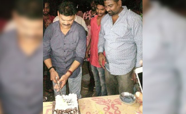Cops Crash Party Of Gangster Who Cut Cake With Machete, Many Arrested