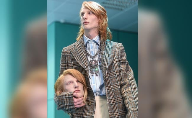 255cd87e730 Gucci Models Walk The Runway - With Replica Severed Heads Of Themselves