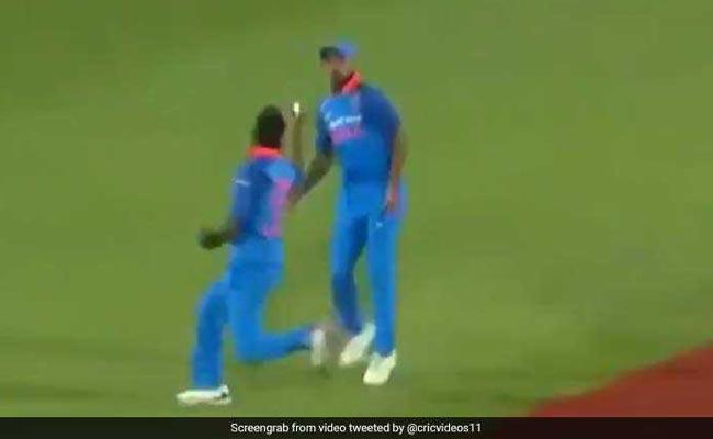 VIDEO: जीरो पर आउट होने पर भी हीरो बने हार्दिक पंड्या, एक हाथ से कैच लेकर सभी को चौंकाया