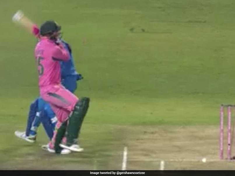 India vs South Africa, 4th ODI: Heinrich Klaasen Steps Outside The Pitch To Hit Yuzvendra Chahal For Four