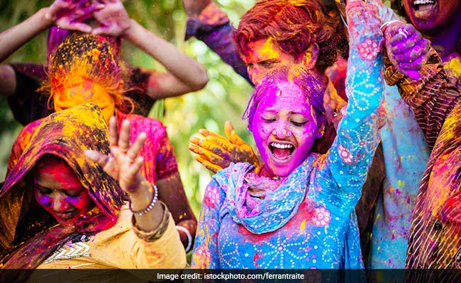 6 Amazing Tips By Our Expert To Prevent Hair And Skin Damage During Holi