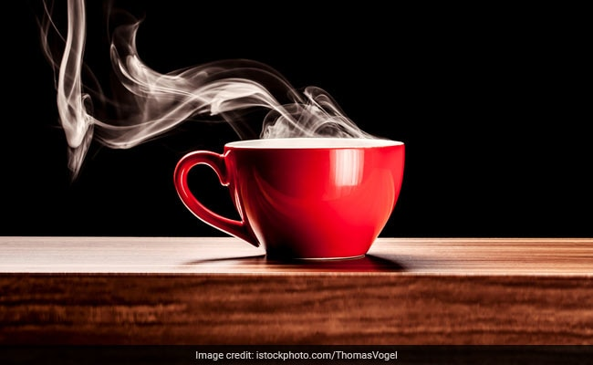 Drinking Hot Tea Can Lead To Esophageal Cancer In Heavy Drinkers And Smokers