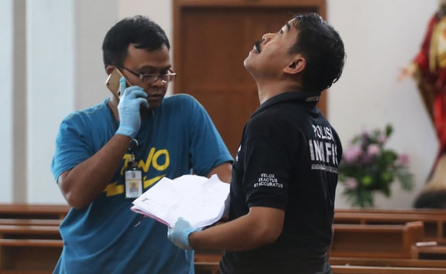 Police Shoot Sword-Yielding Man During Attack On Indonesian Church That Injured 4