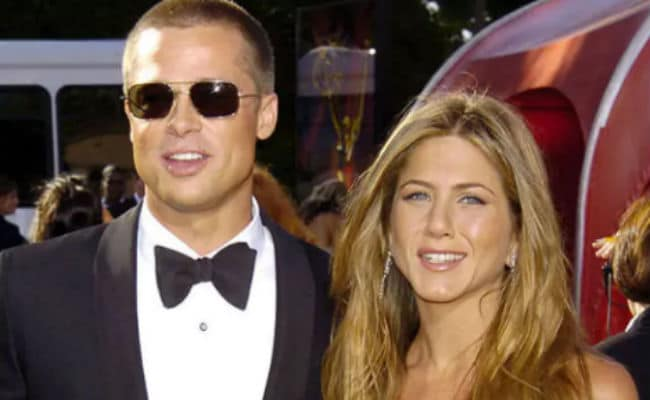 The One Where Twitter Realises Jennifer Aniston And Brad Pitt Are Both Single