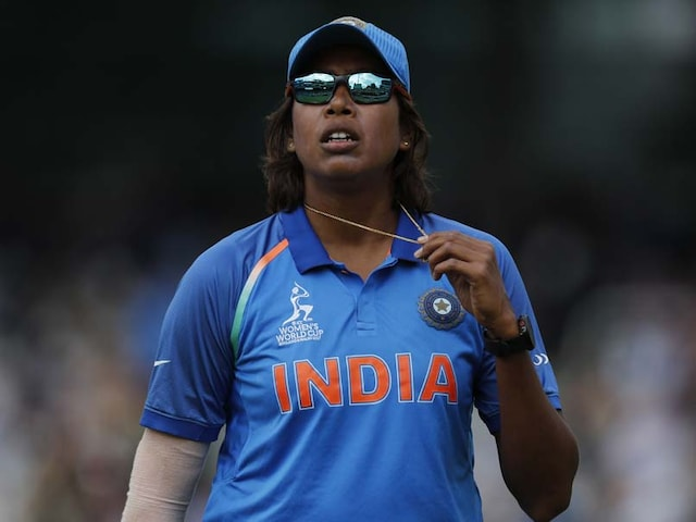 Former captain Jhulan Goswami says, Team has got to lift the World Cup