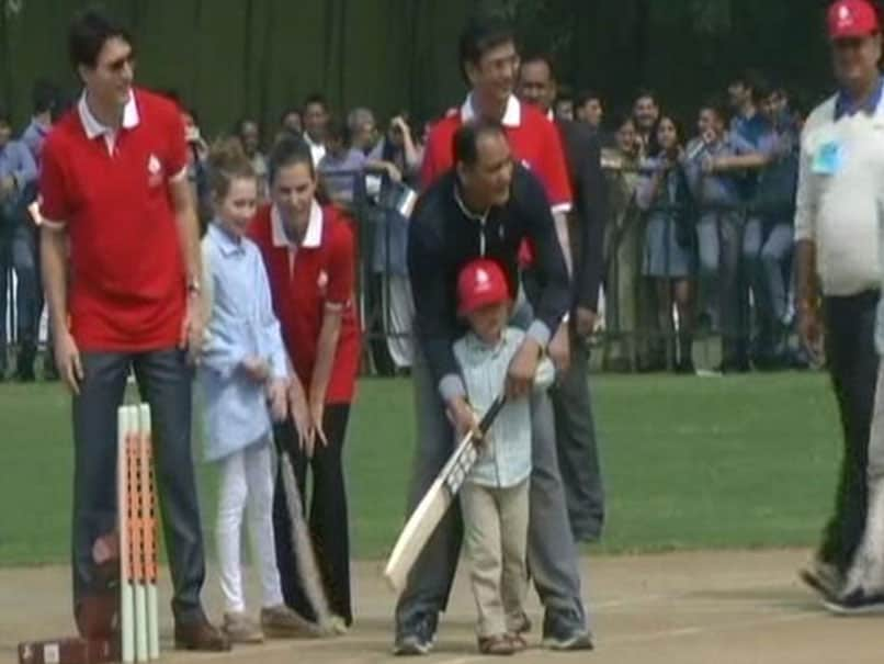 Canadian Prime Minister Justin Trudeau Plays Cricket With Kapil Dev And Mohammad Azharuddin