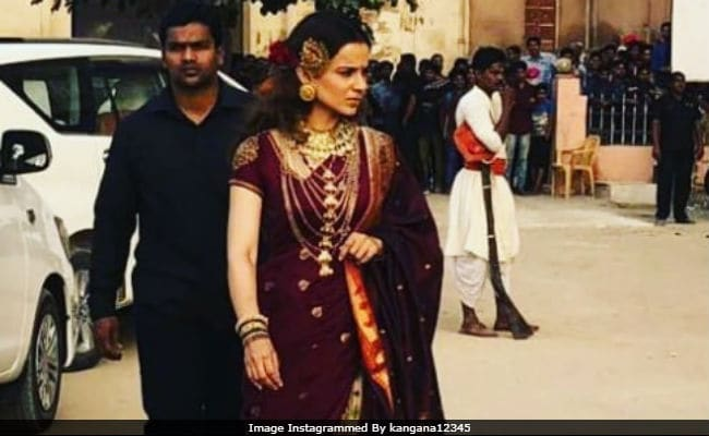 Pics Of Kangana Ranaut From Manikarnika Sets Are Viral