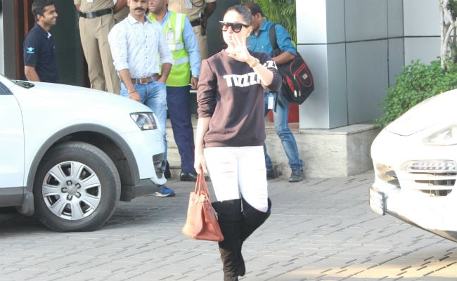 Kareena Kapoor, Saif Ali Khan, Karisma Return To Mumbai After Amrita Arora's Birthday Party In Goa. See Pics At Airport