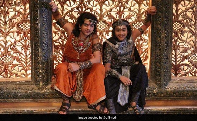 'कर्मफल दाता शनि' में आया नया मोड़, भगवान शनि और हनुमान के बीच होगी लड़ाई