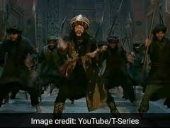 """<i>Padmaavat</i>"": Ranveer Singh's <i>Khalibali</i> Meets <i>Gangnam Style</i>. Result? Awesome"