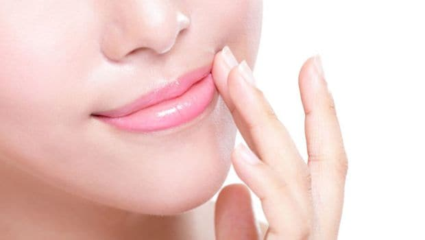 Hindi beauty care tips: Natural Ingredients to Help Your Chapped Lips