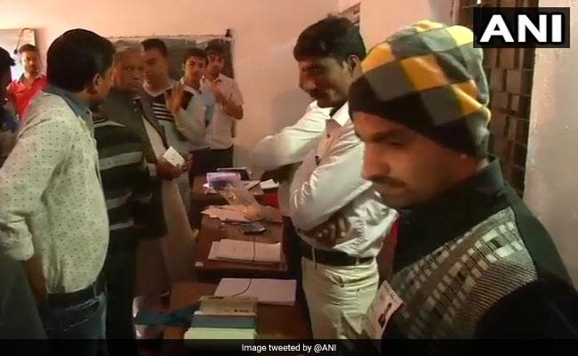Madhya Pradesh Bypolls Highlights: 77.05% Voter Turnout In Mungaoli Bypolls, 70.40% In Kolaras