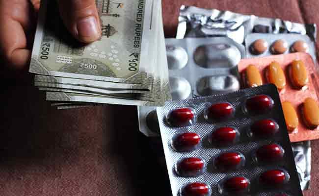 कैंसर समेत कई अन्य बीमारियों की दवाएं हुई महंगी, जानिए क्या है कारण..