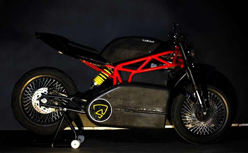 Menza Motors launched its first electric motorcycle, the Lucat, at the Auto Expo