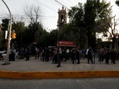 Powerful 7.2 Quake Hits Buildings In Mexico, Minor Damage Reported