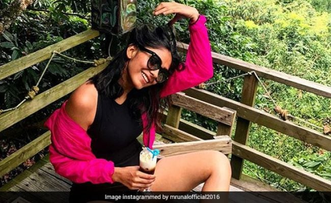 A Sneak Peek Into 'Super 30' Actor Mrunal Thakur's Foodie Side!