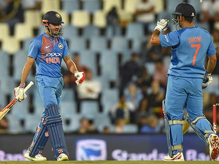 India Vs South Africa, 2nd T20I: MS Dhoni Blasts Manish Pandey While Batting, Tells Him To Concentrate