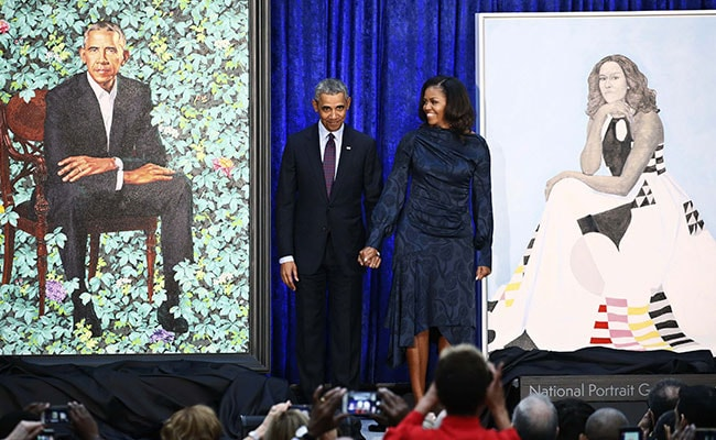Obama Unveils Official Portraits, Jokes About Wife Michelle's 'Hotness'