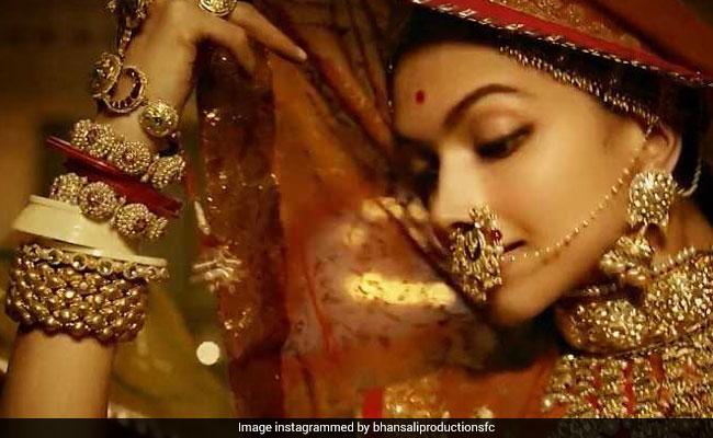 Padmaavat Box Office Collection Day 17: 'पैडमैन' नहीं रोक पाई 'पद्मावत' की कमाई, जानें अब तक का कलेक्शन...