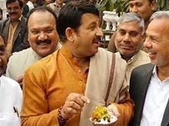 चाय के बाद अब दिल्ली में बीजेपी की 'पकौड़े पर चर्चा', मनोज तिवारी ने कहा- छोटे कामगारों का सम्मान हो