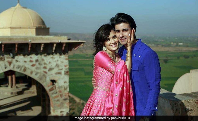 Inside Pankhuri Awasthy And Gautam Rode's Mehendi Ceremony. See Pics