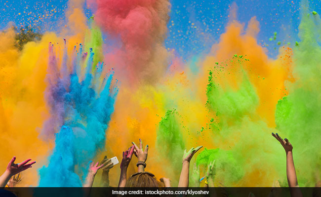 For Holi, Keep These 6 Beauty Tips In Mind. Your Skin And Hair Will Thank You
