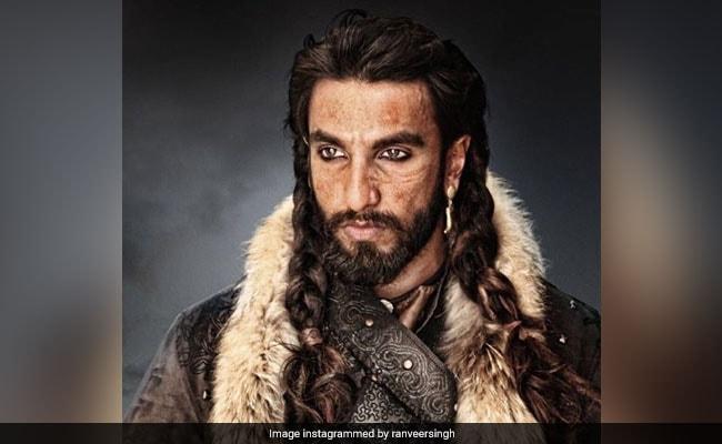 अलाउद्दीन खिलजी बनने के बाद अब रणवीर सिंह पहनेंगे वर्दी, बताई 'Simmba' साइन करने की असली वजह