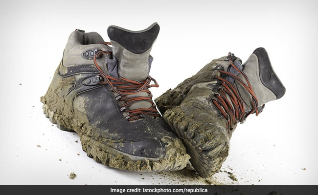 reasons why you should keep your shoes outside