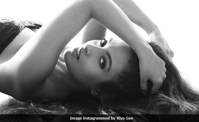 Riya Sen's Anti Plastic Surgery Post Is The Best Thing You'll Read Today