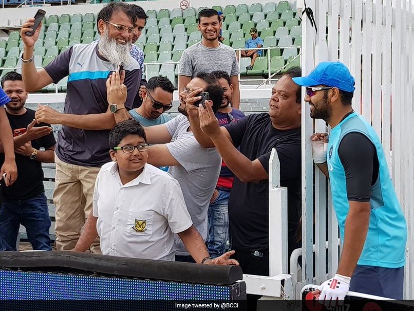 India Vs South Africa: Rohit Sharma Poses With Fans Ahead of 1st ODI In Durban