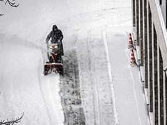 1 Dead As Record Snowfall Hits Moscow