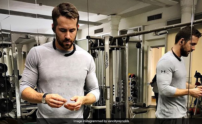Ryan Reynolds makes heart-shaped Valentine's Day cake for wife Blake Lively