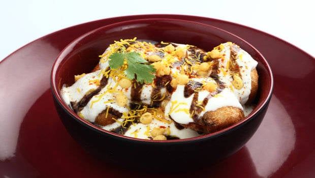 try this quick and easy samosa chaat recipe this monsoon