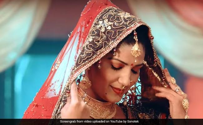 सपना चौधरी बनीं दुल्हन: लाल जोड़ा पहनकर किया गृहप्रवेश, Video Viral