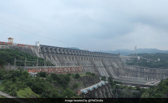 Water Supply For Irrigation From Sardar Sarovar Dam Stopped In Gujarat