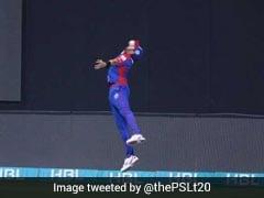 PSL 2018: शाहिद अफरीदी ने लपका ऐसा लाजवाब कैच कि हर कोई कर उठा वाह-वाह , देखें वीडियो...