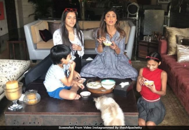 Inside Shilpa Shetty's 'Sunday Binge' With Son Viaan. See Who Won The 'Rosogolla Challenge'