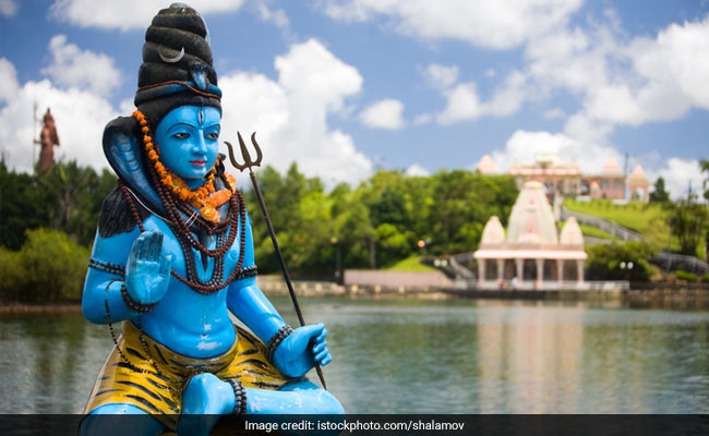Mahashivaratri 2018: Here's The Puja Timings and Puja Vidhi For The Festival