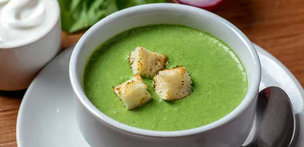 Spiced Spinach Soup with Cottage Cheese Croutons