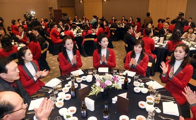 S Korean PM hosts lunch for North Korean delegation